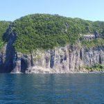 知床半島の絶壁
