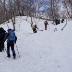 登るにつれて雪が深くなってきました