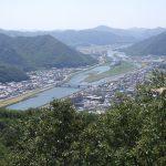 山頂から望む千種川