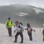 後に駒ヶ岳の山頂が